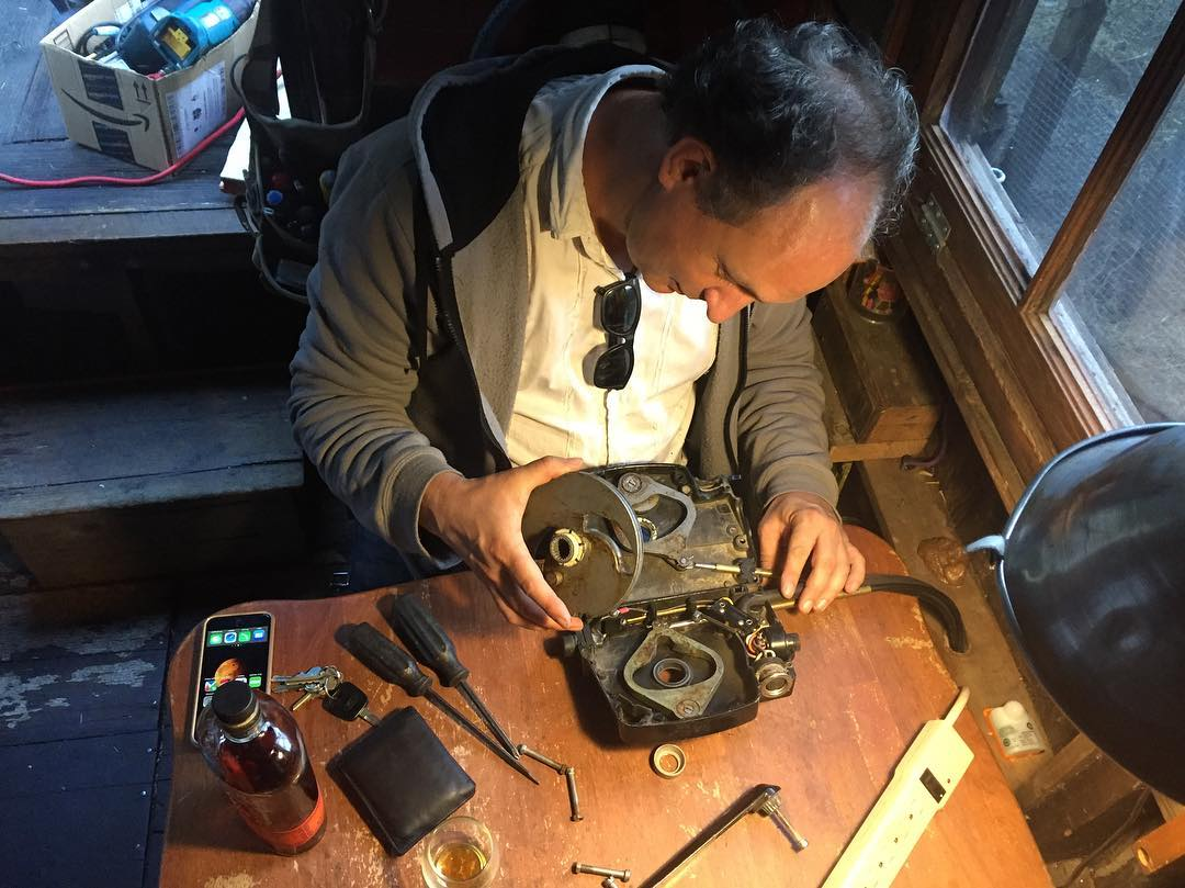 Decommissioning the old MerControl on the shantyboat