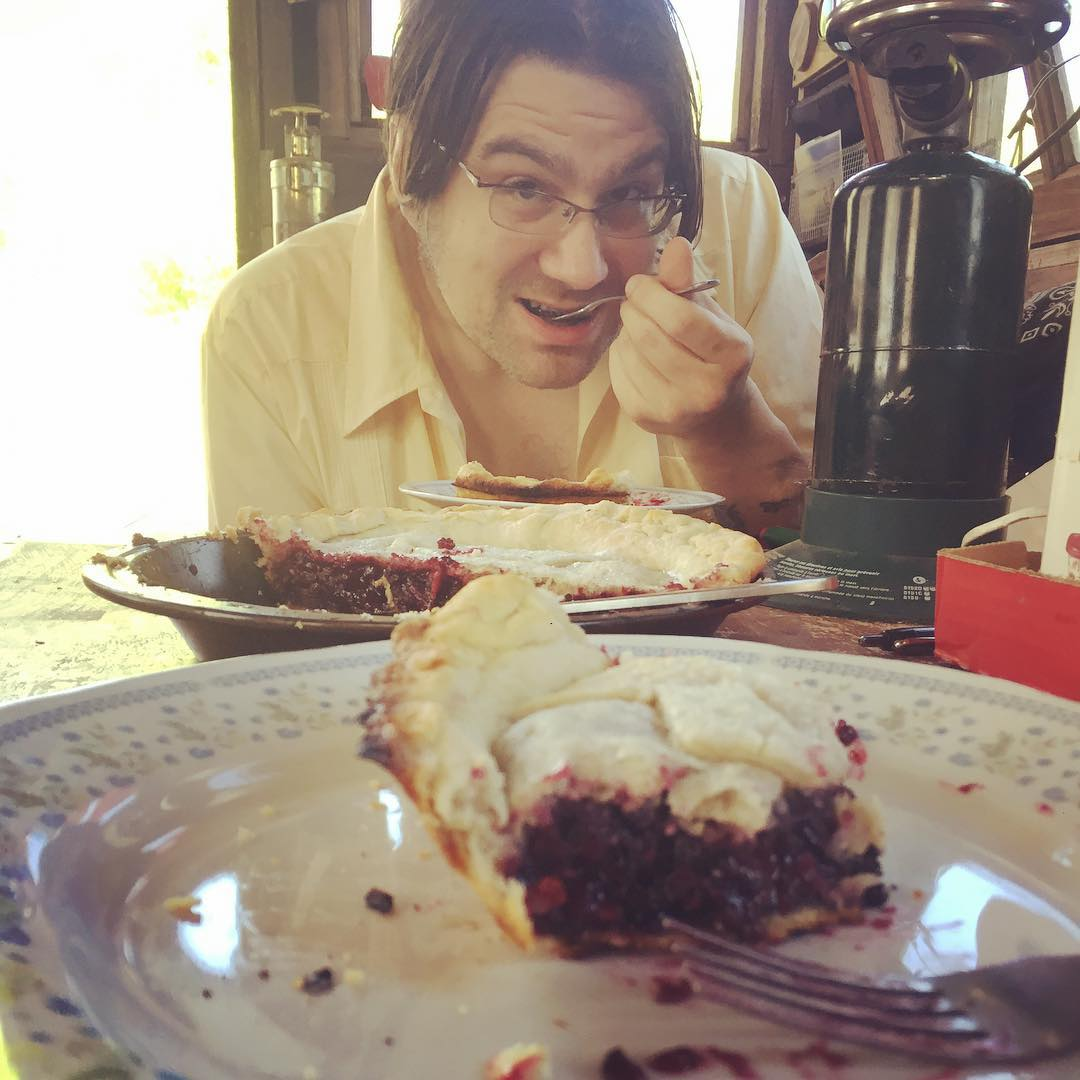 Breakfast birthday blackberry shantyboat pie! Yes, we have an oven
