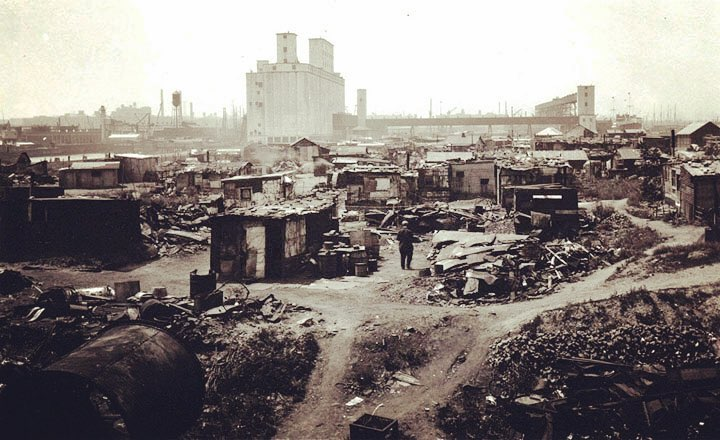 Starting research on the Hudson, Harlem and East Rivers! This is the Norwegian Shantytown located in Red Hook, Brooklyn. The tall building is the Gowanus Grain Terminal on Columbia Street. Thanks to David Sharps of the Waterfront Museum