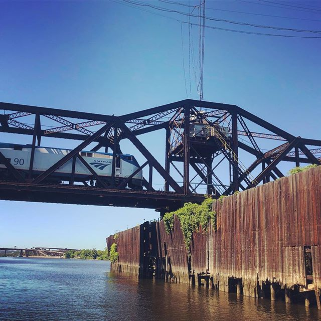 Loitering under the Livingston Ave Swing Bridge built in 1866 and replaced in 1901. We talked to Steve who operated the bridge