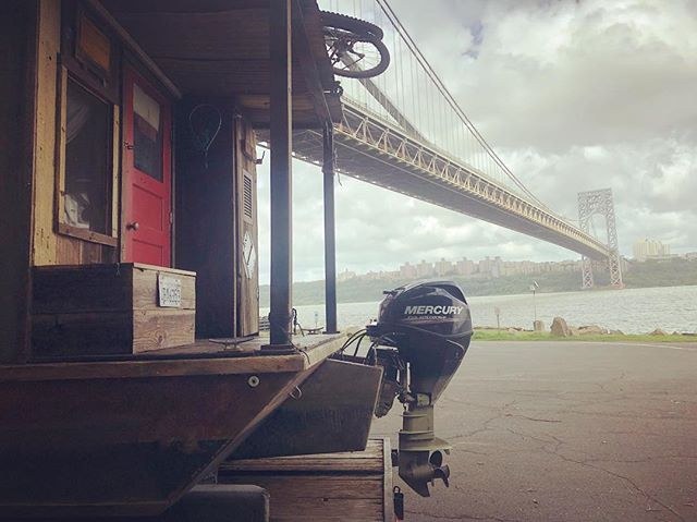 Re-launching under the George Washington Bridge on the Hudson river on a pretty choppy day. #Shantyboat #ChoppyWater #HudsonRiver
