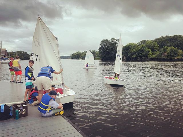 Riverport Sailing School creating baby sailors. #shantyboat #babysailors #rondoutcreek #hudsonriver