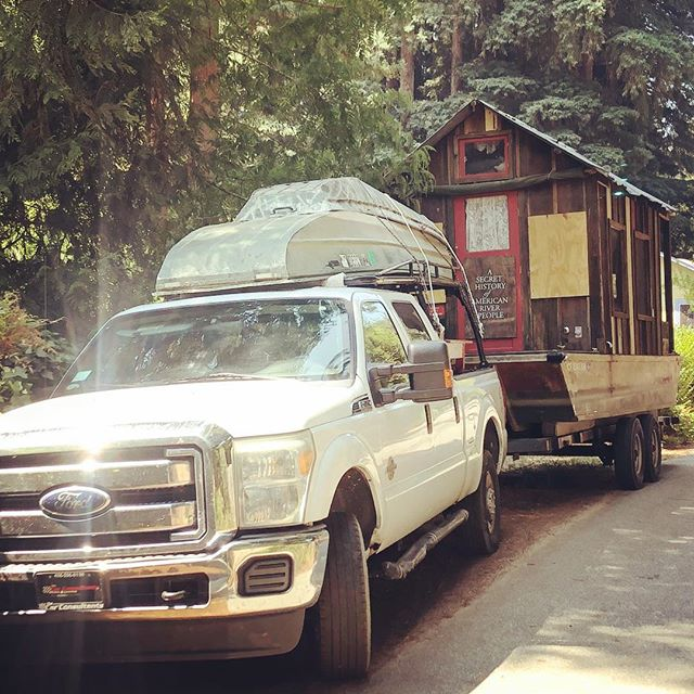 I made it home safe and sound to the hills above Santa Cruz after the longest drive of my life: 3200 miles solo over 5 days towing the shantyboat. Nice to see Benzy again. Time for whiskey #shantyboat #roadtrip #longdrive #audiobooks #homeagain